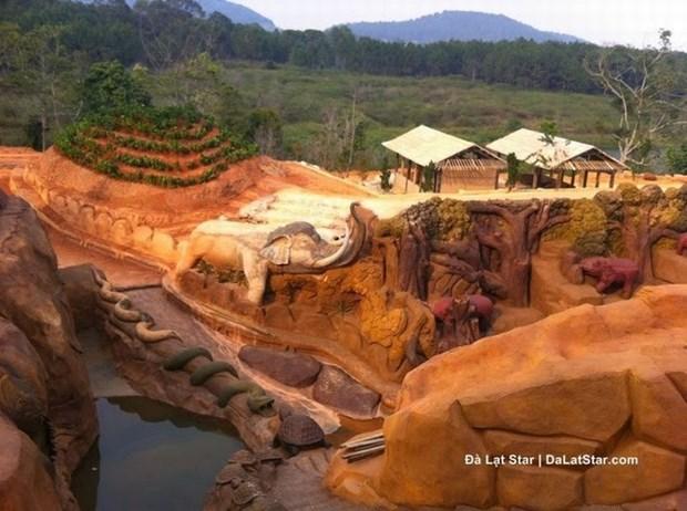 大叻市吸引游客的一处新旅游景点——黏土地道 hinh anh 4