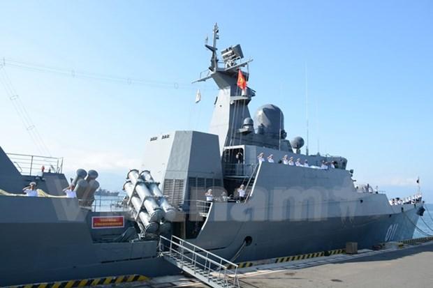 越南海军《丁先皇》号护卫舰访问新加坡 hinh anh 1
