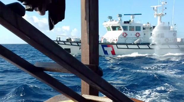 越南渔业工会:强烈反对中国台湾巡逻艇使用水炮攻击越方渔船 hinh anh 1