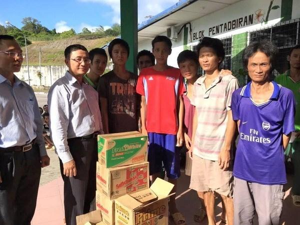 努力解决相关事宜 早日把被马来西亚扣押的渔民送回国 hinh anh 1