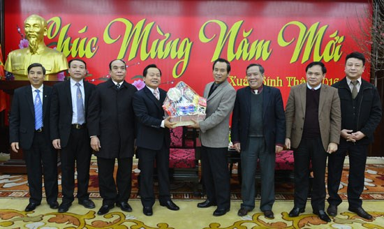宗教界人士春节走访慰问地方政府和人民群众 hinh anh 1