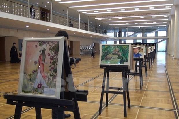 有关越南风土人情的画儿在俄罗斯克里姆林宫展示 hinh anh 1