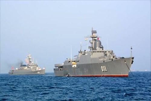 越南011丁先皇号军舰抵达印度参加国际海军阅兵式 hinh anh 1