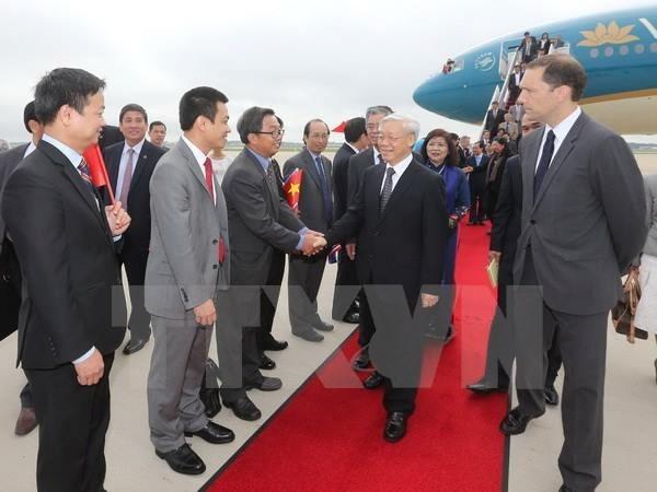 2015年越南党和国家领导人十大出访之旅 hinh anh 2