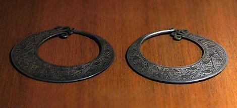 越南山罗省蒙族妇女的独特耳环 hinh anh 1