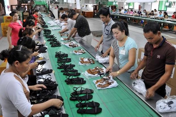 2016年越南力争将鞋类及箱包出口总额达170亿美元 hinh anh 1