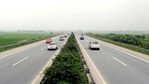 惹桥—宁平高速公路正是允许车辆最高车速达120公里每小时 hinh anh 1