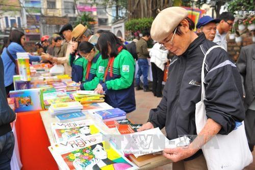 第十四次越南诗歌日在文庙—国子监隆重开幕 hinh anh 2