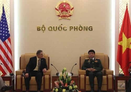 武文俊上将接见美国陆军高级战略领导研究计划学员代表团 hinh anh 1