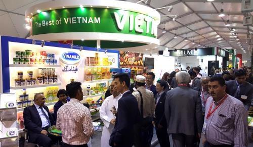 越南乳制品股份公司签署总额达1250万美元的儿童奶粉出口合同 hinh anh 1