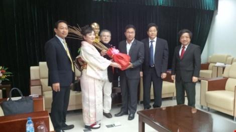 日本向越南岘港市赠送100棵樱花树 hinh anh 1