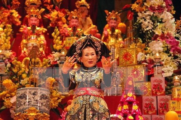 越南向国际友人介绍祀母信仰 hinh anh 1
