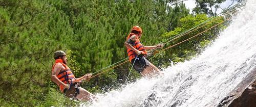 越南文化体育与旅游部要求各省市严格整顿探险旅游安全管理工作 hinh anh 2