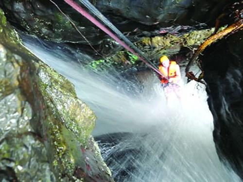 越南文化体育与旅游部要求各省市严格整顿探险旅游安全管理工作 hinh anh 3