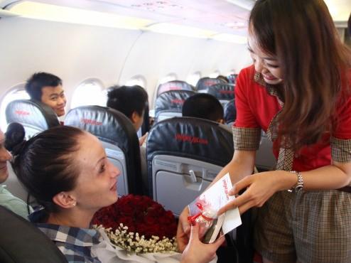 """三八国际妇女节来临之际:越捷航空公司推出200万张""""零价""""起的机票 hinh anh 2"""