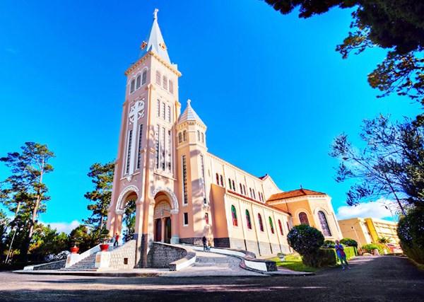 大叻市的公鸡教堂与圣母教堂 hinh anh 1