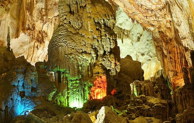 越南广平省风芽洞跻身世界最让人惊叹的五大洞穴奇观名单 hinh anh 1