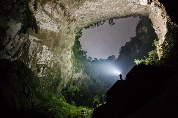 推介越南山洞窟的资料片在2016年纽约航拍电影节获奖榜单上有名 hinh anh 1