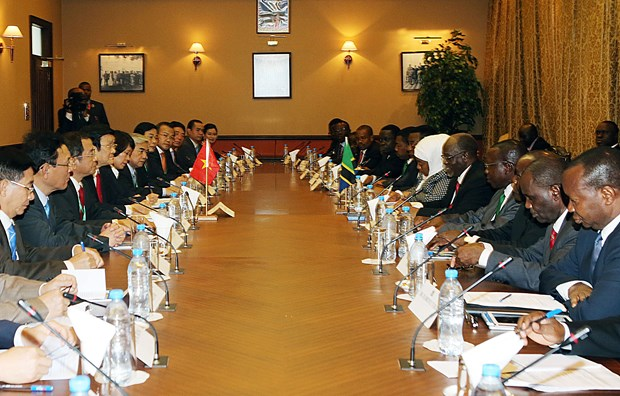 越坦发表联合公报 深信两国合作关系将继续在各个合作领域蓬勃发展 hinh anh 2
