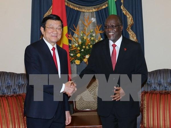 越坦发表联合公报 深信两国合作关系将继续在各个合作领域蓬勃发展 hinh anh 1
