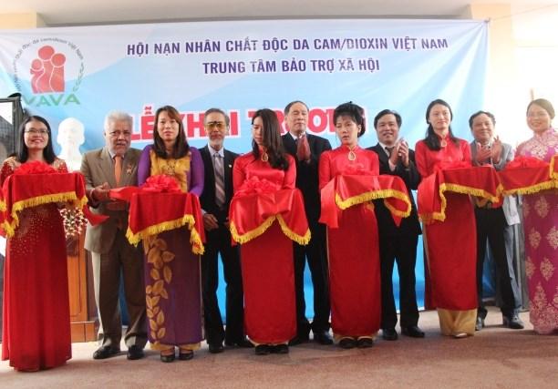 越南橙毒剂受害者康复养护中心正式投入运行 hinh anh 1