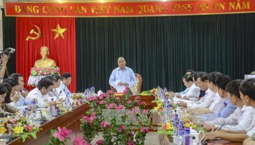 阮春福副总理视察奠边省国会和各级人民议会代表选举准备工作 hinh anh 1
