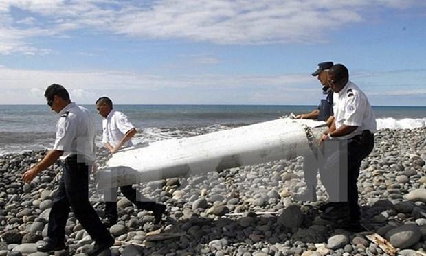 疑似马航MH370残骸将在澳大利亚和法国接受鉴定 hinh anh 1