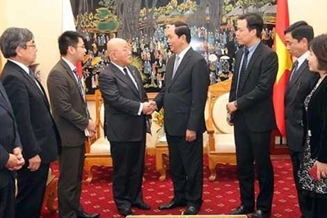 越南公安部长陈大光大将会见日本首相高级顾问饭岛勋 hinh anh 1