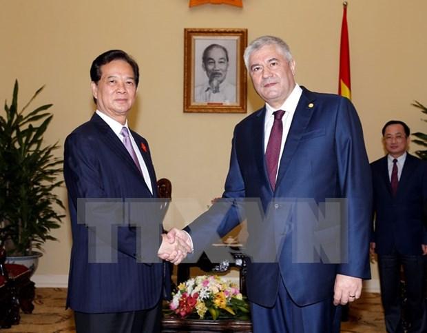 越南政府总理阮晋勇会见俄罗斯内务部部长 hinh anh 1