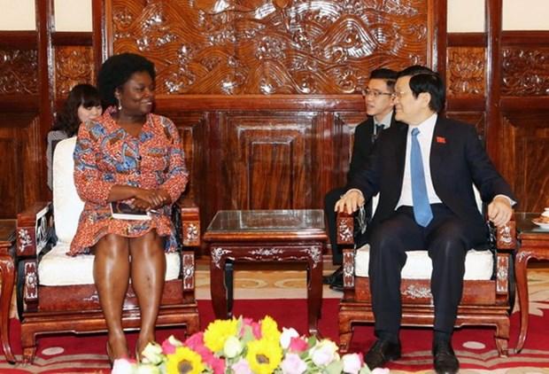 越南国家主席张晋创会见世界银行驻越首席代表维多利亚·克瓦 hinh anh 1