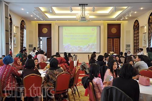 越南驻中国大使馆举行东盟妇女小组交流活动 hinh anh 1