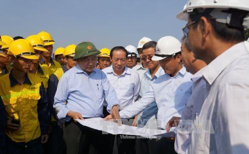 政府副总理阮春福:尽快克服庚桥事故发生后的后果 hinh anh 1