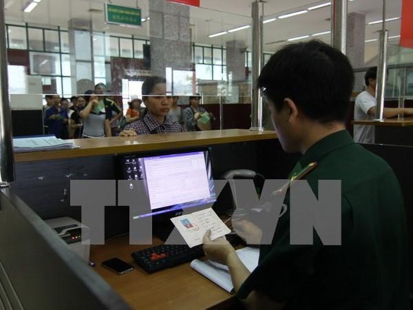 加大对边民和出入境人员宣传关于越中边境法律工作力度 hinh anh 1
