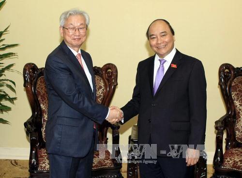 越南政府副总理阮春福会见韩国驻越南大使 hinh anh 1