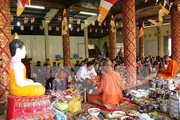 越南祖国阵线中央委员会主席阮善仁向高棉族同胞致以新年祝福 hinh anh 1