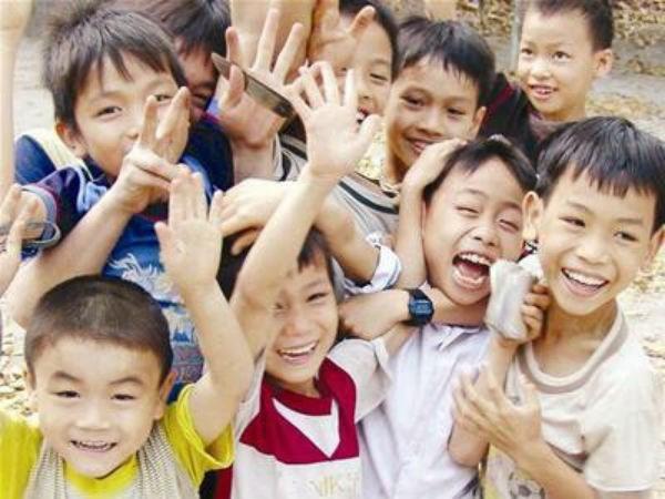 越南国会通过《儿童法案》及《新闻法案》(修正案) hinh anh 2