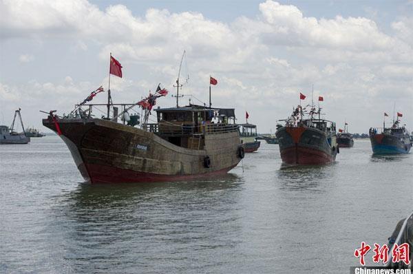 越南广平省处理侵犯越南领海主权的6艘中国渔船 hinh anh 1