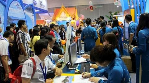 2016年越南国际旅游展:将推出2万张特价机票和1.5万条优惠价的旅游线路 hinh anh 1