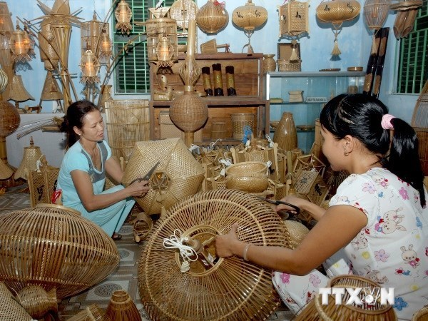 越南手工艺村步入新时期 机会与挑战并存 hinh anh 1