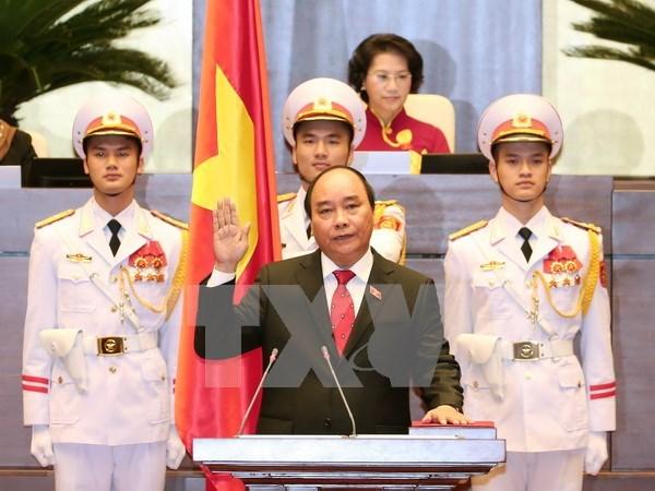 各国总理向越南新任政府总理阮春福致贺电 hinh anh 1