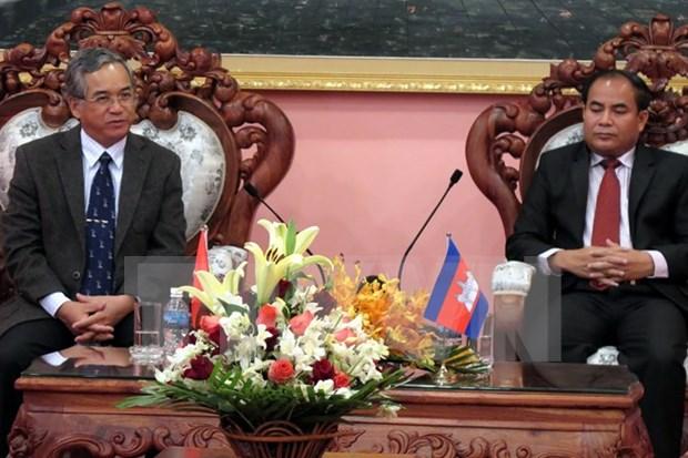 越南昆嵩省和柬埔寨上丁省加强合作 hinh anh 1