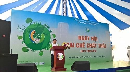 胡志明市举行2016年第九届废品回收日 hinh anh 1