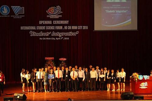 2016年国际大学生科学论坛落幕 hinh anh 1