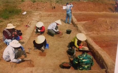 越南发现距今80万年的旧石器时代遗址 hinh anh 1
