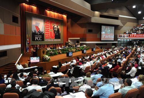 古巴领导人劳尔·卡斯特罗再次当选古共中央第一书记 hinh anh 1
