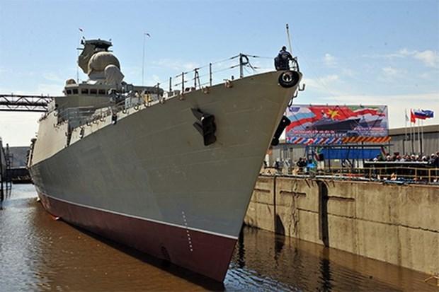 俄罗斯为越南海军制造的护卫舰成功下水 hinh anh 1