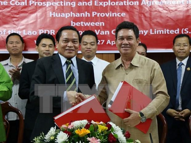 越南与老挝签署煤炭资源勘查与开发合作合同 hinh anh 1
