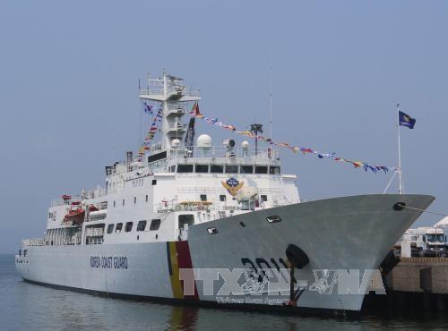 韩国海岸警卫队训练船访问越南 hinh anh 1