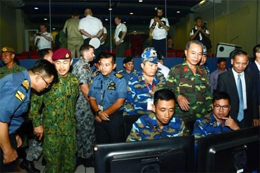 增强实力,确保安全,深化东盟防长扩大会议成员国之间的互信 hinh anh 1