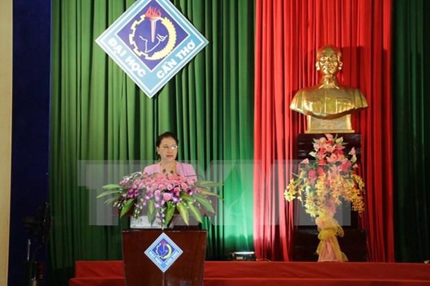 越南国会主席阮氏金银完成与芹苴市选民接触的活动 hinh anh 1